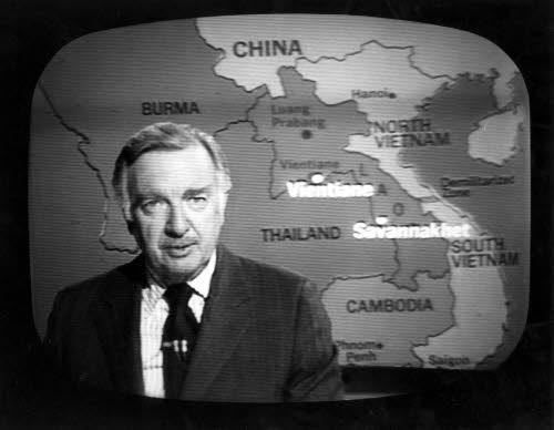 Walter Cronkite, leggenda del giornalismo Usa e' morto a 92 anni. Racconto' agli americani i piu' importanti eventi del secolo scorso