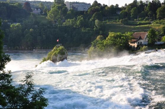 Thác nước sông Rhein ở gần Neuhausen