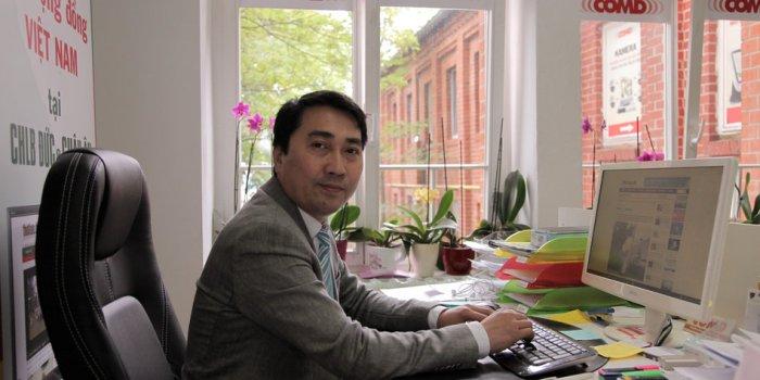 Trung Khoa Le betreibt einen vietnamesivhen Blog und wird seit G20 bedroht.<br /> Bild wurde im Dong Xuan Center aufgenommen.