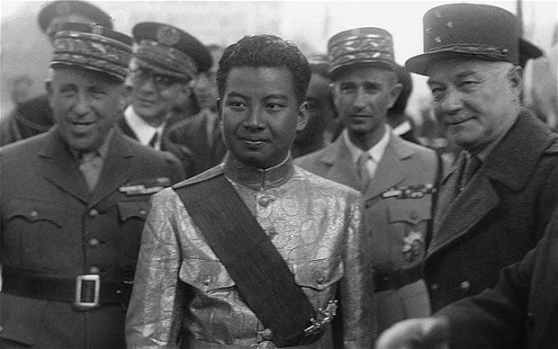 Sihanouk với các tướng lãnh Pháp ở Paris năm 1946
