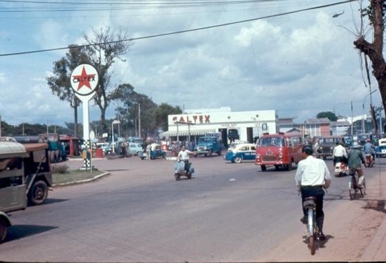 Trạm xăng Caltex ở góc đường Võ Tánh, Sài Gòn, 1967