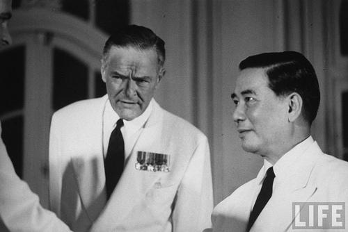 Đại sứ Hoa Kỳ tại Việt Nam Henry Cabot Lodge cùng với Tổng thống Ngô Đình Diệm