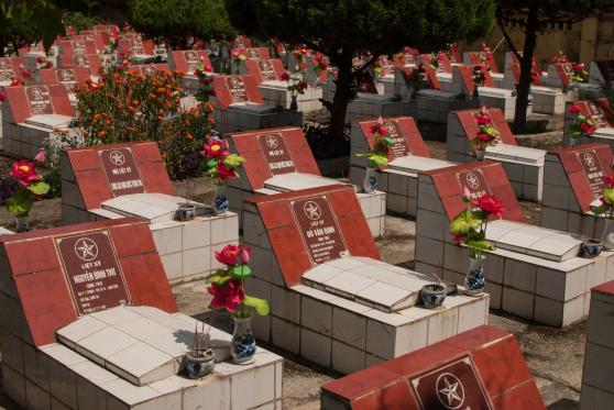 Nhiều binh sĩ Việt Nam thiệt mạng trong chiến tranh biên giới năm 1979 với Trung Quốc đã an nghỉ tại nhiều nghĩa trang quân sự vẫn còn rải rác ở miền bắc Việt Nam. Nguồn: Sebastian Strangio