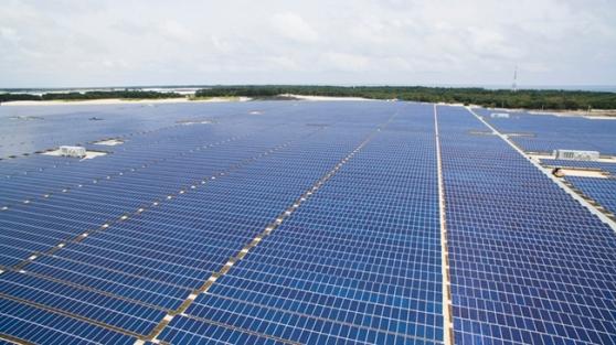 Một góc nhà máy điện mặt trời TTC Phong Điền - Huế