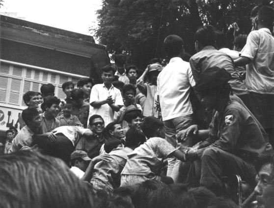Đường phố Sài Gòn sau đảo chánh 1/11/1963