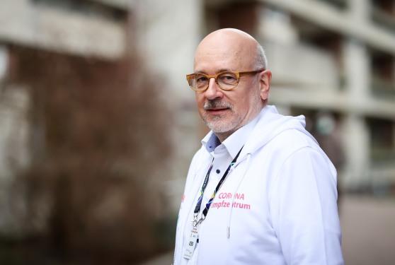 Ông Dirk Heinrich, Chủ tịch Hiệp hội Bác sĩ Virchow ở Đức